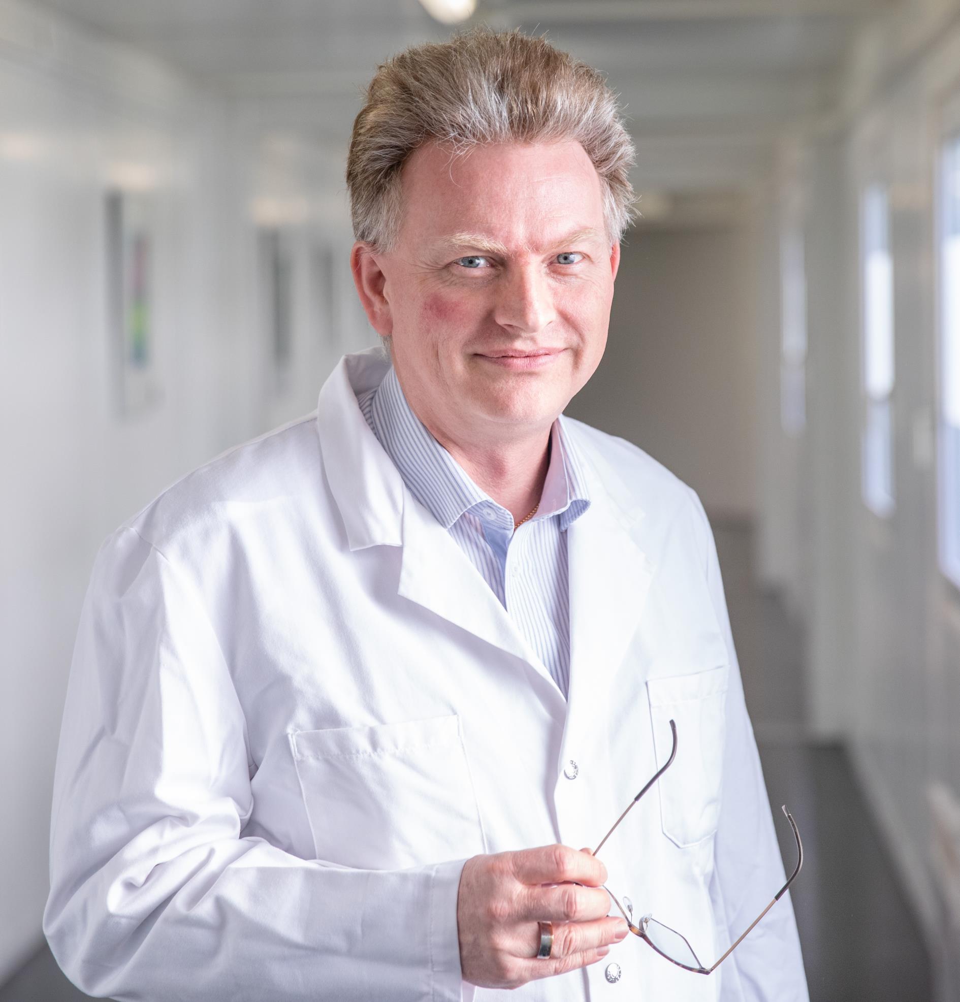 Dr Thomann